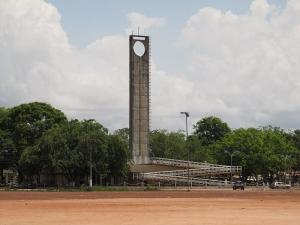 https://en.wikipedia.org/wiki/Equator#/media/File:Equator_Line_Monument,_Macap%C3%A1_city,_Brazil.jpg